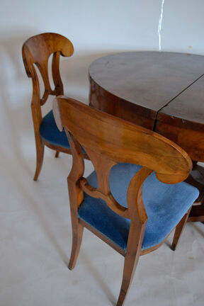 Biedermeier table and chairs