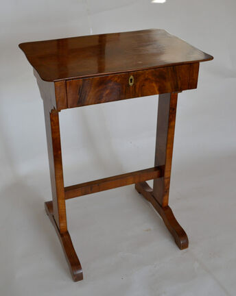 Biedermeier table